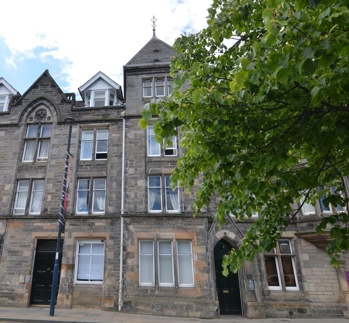 2 Bed First Floor Flat In Perth Offers Over £155,000