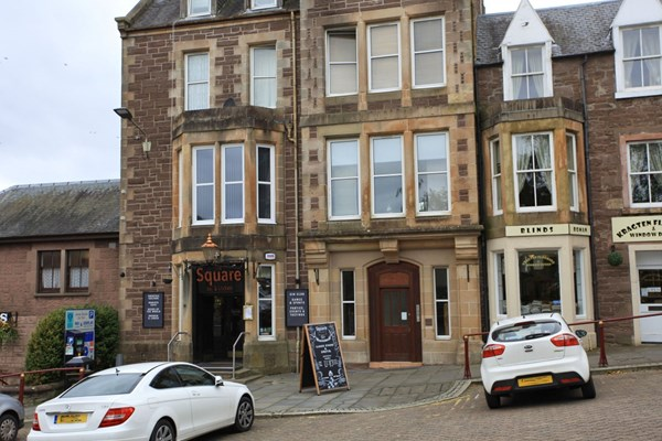 Flat A Strathearn Apartments 35 James Square Crieff