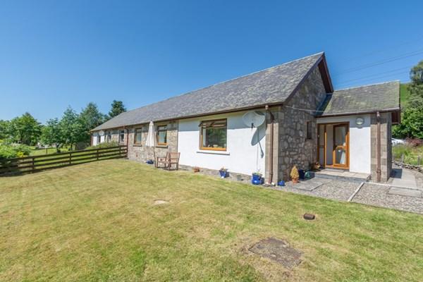 1 Pubil Cottages  Glenlyon