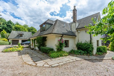 Hilton, Muirhall Road, Kinnoull Hill, Perth PH2 7LL