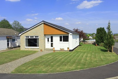 21 Strathview Place, Comrie PH6 2HG